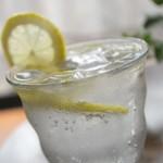 簡単ジュースレシピ/Vol.7~夏バテ予防に~みんな大好き♪「蜂蜜レモンスカッシュ」