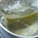 毎朝のお味噌汁が一気にバージョンアップ!一番手軽な『昆布だし』のとり方(お湯出し編)
