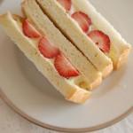 10分でできる「いちごのクリームチーズサンドイッチ」~簡単わくわく朝ごはん~