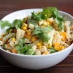 一皿で食べごたえあり!「トウモロコシ&マカロニのサラダ」