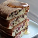 寒い季節の定番!「スパイス風味・ドライフルーツパンケーキ」