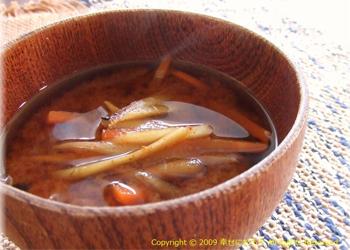 きんぴらごぼうのコクうま味噌汁