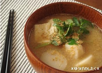 ほっこり香ばし☆里芋のごま味噌汁。