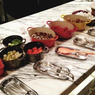 温野菜も充実。ル・クルーゼやストーブのお鍋がかわいい!