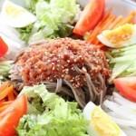 冷たい蕎麦の野菜たっぷりアレンジレシピ