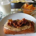 ワシントン州初日の朝は甥っ子特製ビックリ斬新ドーナツ