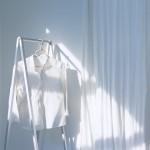 その日の気分を左右する「朝の洋服選び」を、色でもっと楽しむコツ