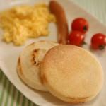 5分でできる!「イングリッシュマフィンのスクランブルエッグサンド」~簡単わくわく朝ごはん~