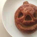アンデルセンのハロウィンかぼちゃのペストリーで朝ごはん