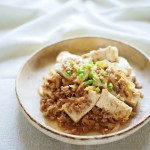 5分で完成!ガッツリ食べたい朝は「焼肉のタレ」で簡単マーボ丼!