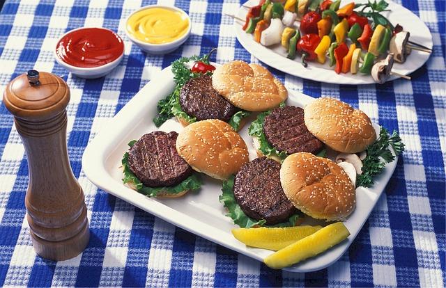 hamburgers-520707_640