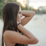 20代女子にも増加中!「白髪」の原因と今日からできる予防法