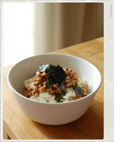 朝食にぴったり!納豆豆腐丼