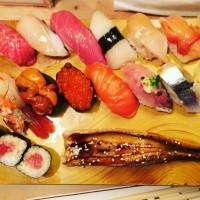 築地 場内で朝からお寿司!