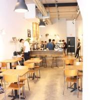 Early Bird カフェで朝のコーヒータイム