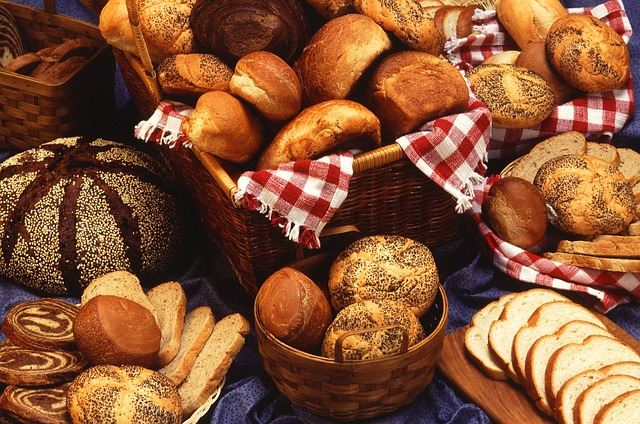 breads-387544_640