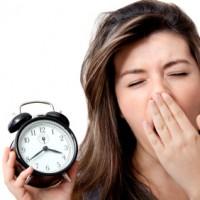 カジュアルな英語表現「最近、寝不足気味〜!」から医学用語 '不眠症' まで