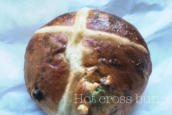 朝食にもちょうどいいEasterなパン_1new
