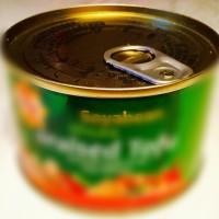 衝撃的☆中身はなんと日本でお馴染あの食材が缶詰に❣️