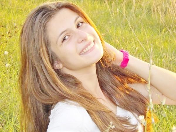 girl-948215_640