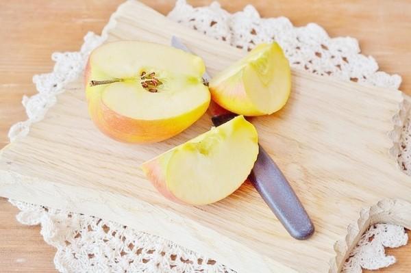 apple-1245559_640