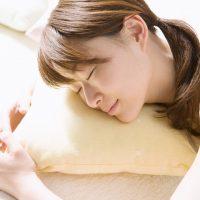 眠りの質が下がる夏!「快眠」を叶える8つのポイント