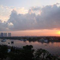 【旅の朝コラム】圧巻!テラスから眺める朝焼けのベトナム