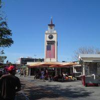 ロサンゼルス旅行でも楽しめる常設のファーマーズマーケット