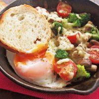 朝はやっぱりコレ♪短時間で具だくさんの「卵料理レシピ」4選