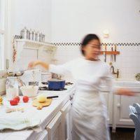 朝は「ながら美容」!キッチンでできる裏技スキンケア3つ