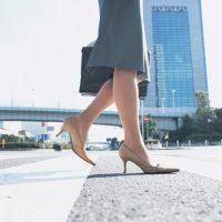 今日は徒歩の日。生活の中で自然に「歩く量」を増やすヒント7つ