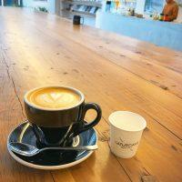 外に出たくてたまらない‼︎秋晴の日の朝カフェ
