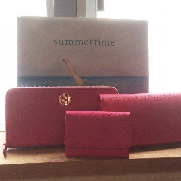 ピンク財布
