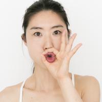 リップクリームを塗る回数が減る!?唇の乾燥に効く「チューください」ポーズ