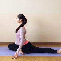 寒い時期にオススメ!腰痛のお悩みに効く「股関節を伸ばすポーズ」