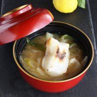 鶏がらスープの素で簡単♪明太子のぷちぷちにハマる「ねぎだく雑煮」