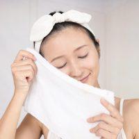 朝の一手間で明るさアップ!しっとり潤う「蒸しタオル」美容法
