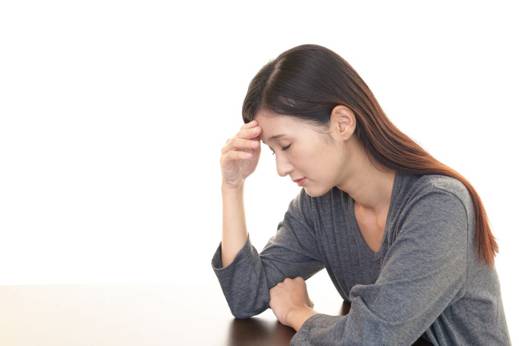 頭痛で苦しむ女性_江口_20160720_Fotolia_91521919_Subscription_Monthly_M