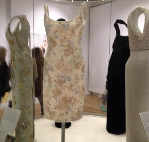ダイアナ妃ドレス2