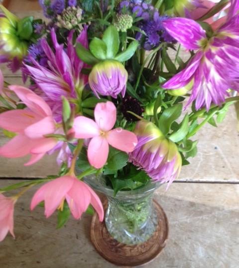 ピンクの花のあしらい