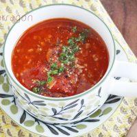 そろそろ紫外線対策!10分でできる「トマトとひき肉のボリュームスープ」