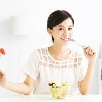 「朝ごはんを食べる」を3単語の英語で言うと?