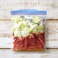 保存袋ひとつ+レンチンで完成!「春キャベツのトマトパスタ」