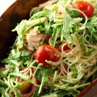 いっぱい食べてもヘルシー♪朝の新定番「ごはんサラダ」レシピ5選