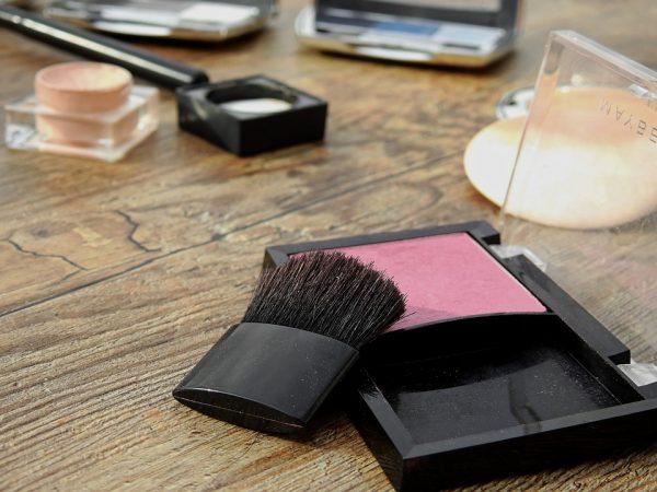 cosmetics-2116381_960_720