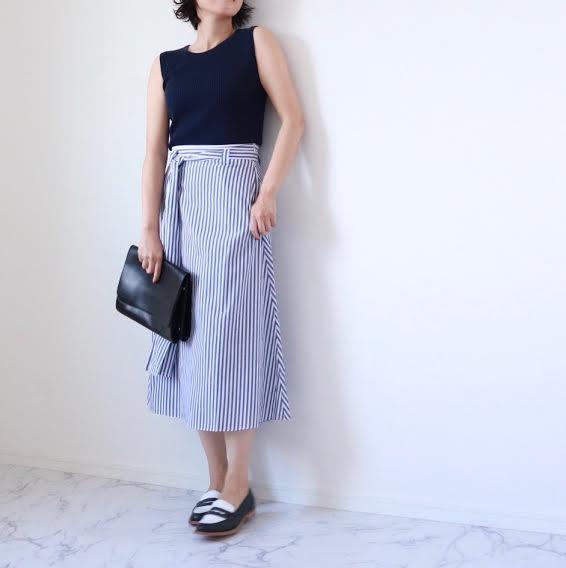 朝時間 夏のネイビー スカート