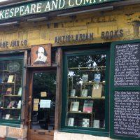 パリ*レトロな書店カフェで朝読書