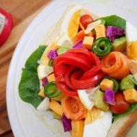 栄養も見ためもバッチリ!私のおすすめ「サラダトースト」の作り方