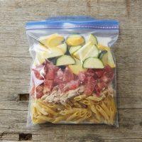 保存袋ひとつで冷製パスタ!簡単「ツナトマクリームペンネ」