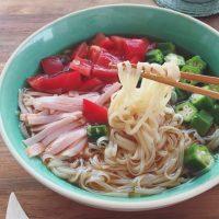 カルディの便利食材で!茹でずに5分でできる「冷たい野菜麺」